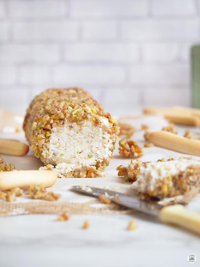 ¡Y listo! Una textura tierna y cremosa por dentro, con una corteza crujiente que harán de este rulo tú nueva versión de comer queso! ¿Lo hacemos?